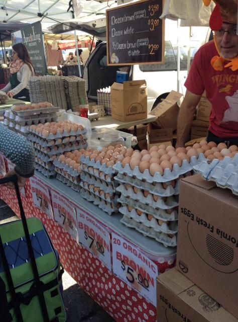 ファーマーズマーケットの卵