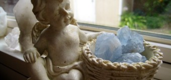 イタリアからやってきた天使と天上界の石