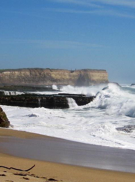 打ち寄せる波のエネルギー