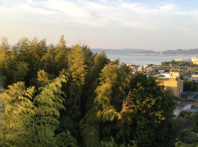 琵琶湖湖畔の朝