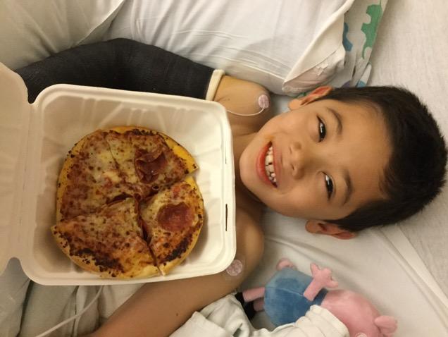 大好物のピザ